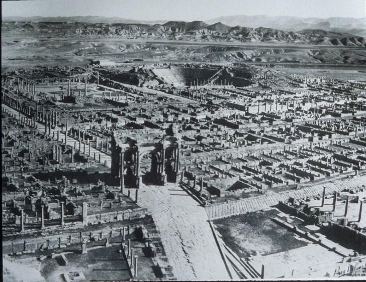 Timgad algeria