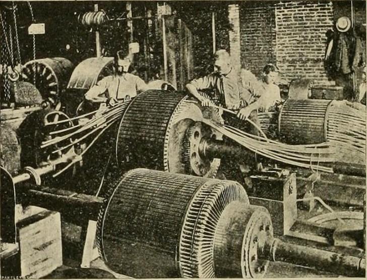 Obreros en una fabrica primera revolucion industrial