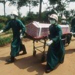 Personal sepulta muerto en zona de epidemia