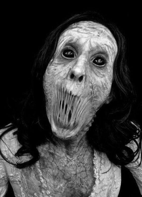 Terror monstruos mujer