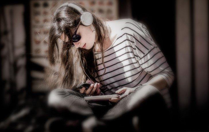 Escuchando musica