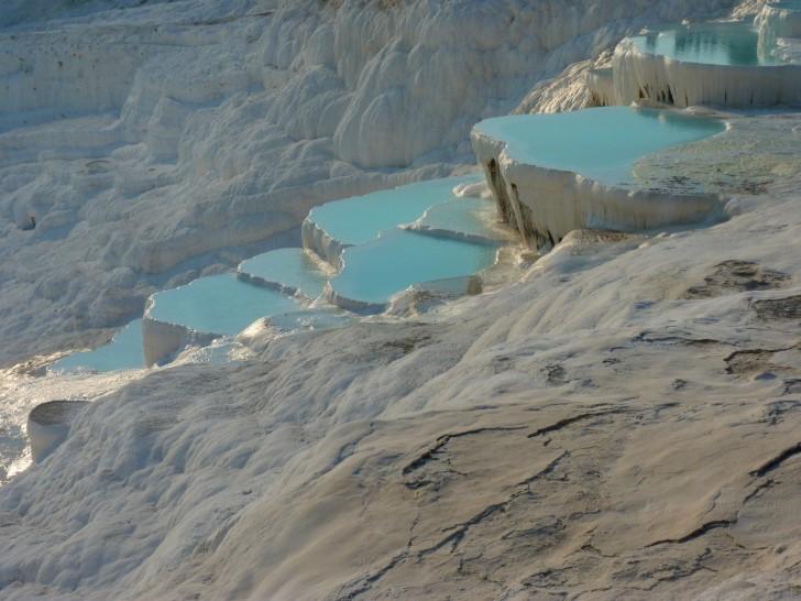 Piccole piscine di acqua termale a Pamukkale