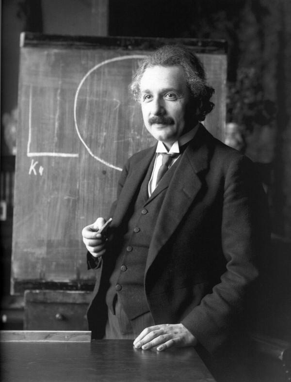 Einstein frente al pizarron