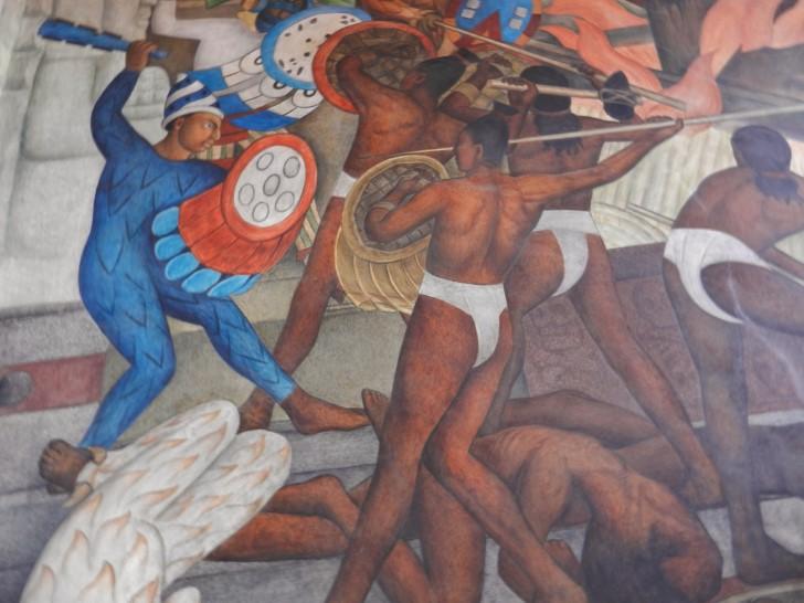 Guerrero azteca empuña macuahuitl