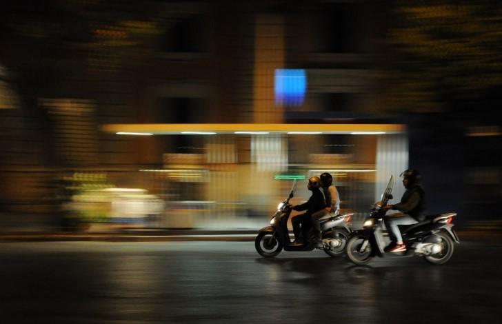 Carreras de motos en ciudad