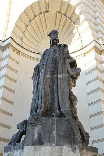 Estatua judah loew ben bezalel