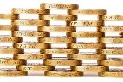 Monedas de oro apiladas