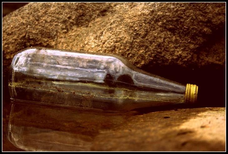 Botella con mensaje al interior