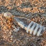 6 historias que iniciaron con un mensaje en una botella