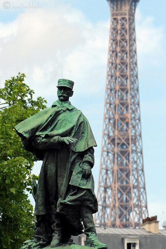 Estatua a joseph gallieni