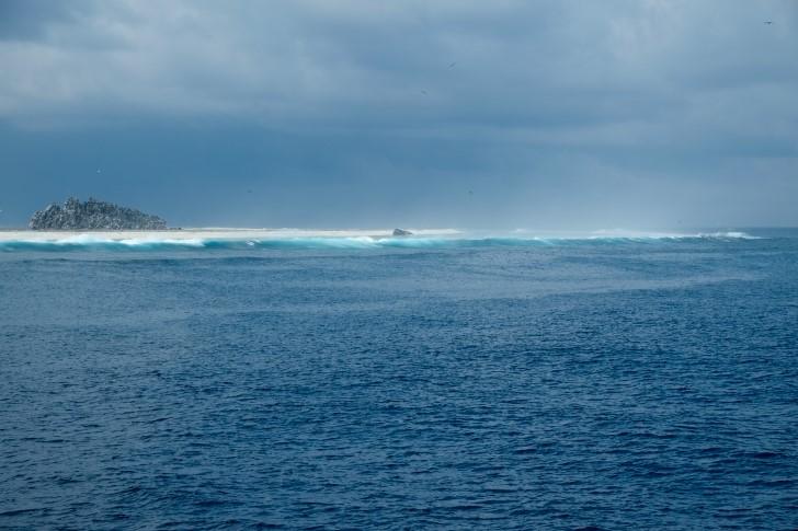 Oceano isla rocosa