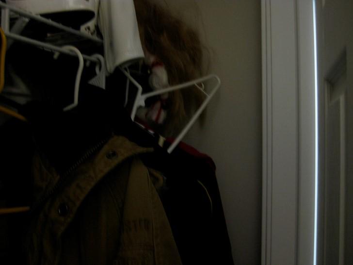 Monstruo oculto en el armario