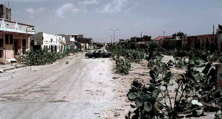 Calle abandonada en mogadiscio 1993