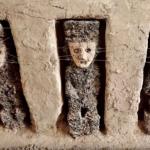 Antigua ciudad perdida en Perú revela pasadizo con espeluznantes estatuas enmascaradas