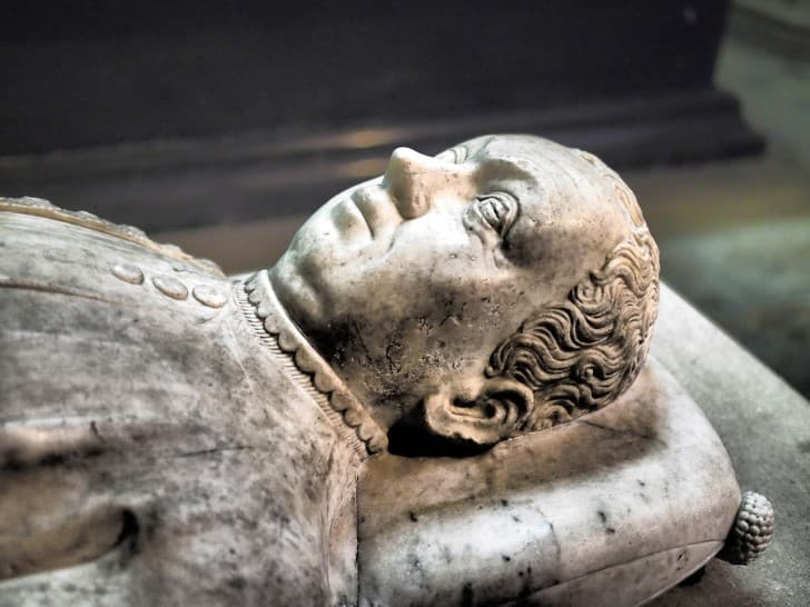 Bertrand du Guesclin escultura condestable de Francia