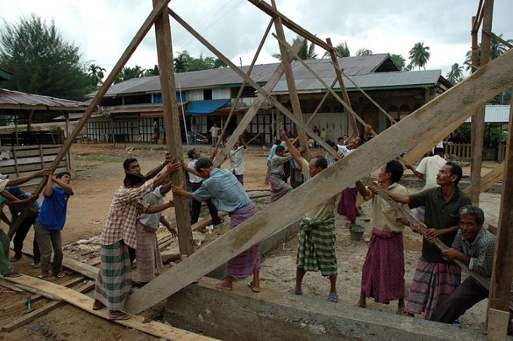 Gotong royong trabajo comunitario indonesia