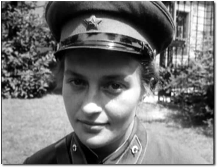 Lyudmila Pavlichenko rostro blanco y negro