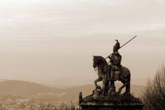 estatua caballero solitario