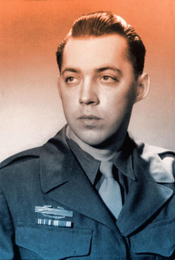 Leo sharp militar