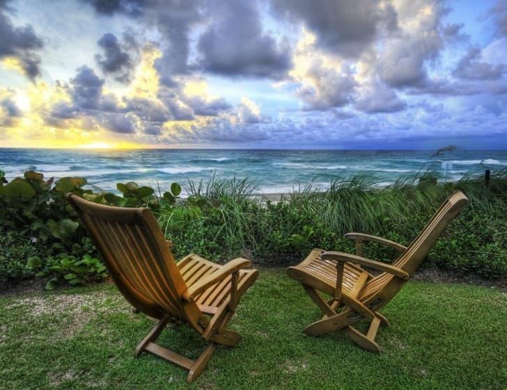 paisaje relajante frente al mar