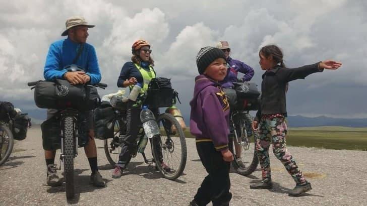 ciclistas asesinados en tayikistan