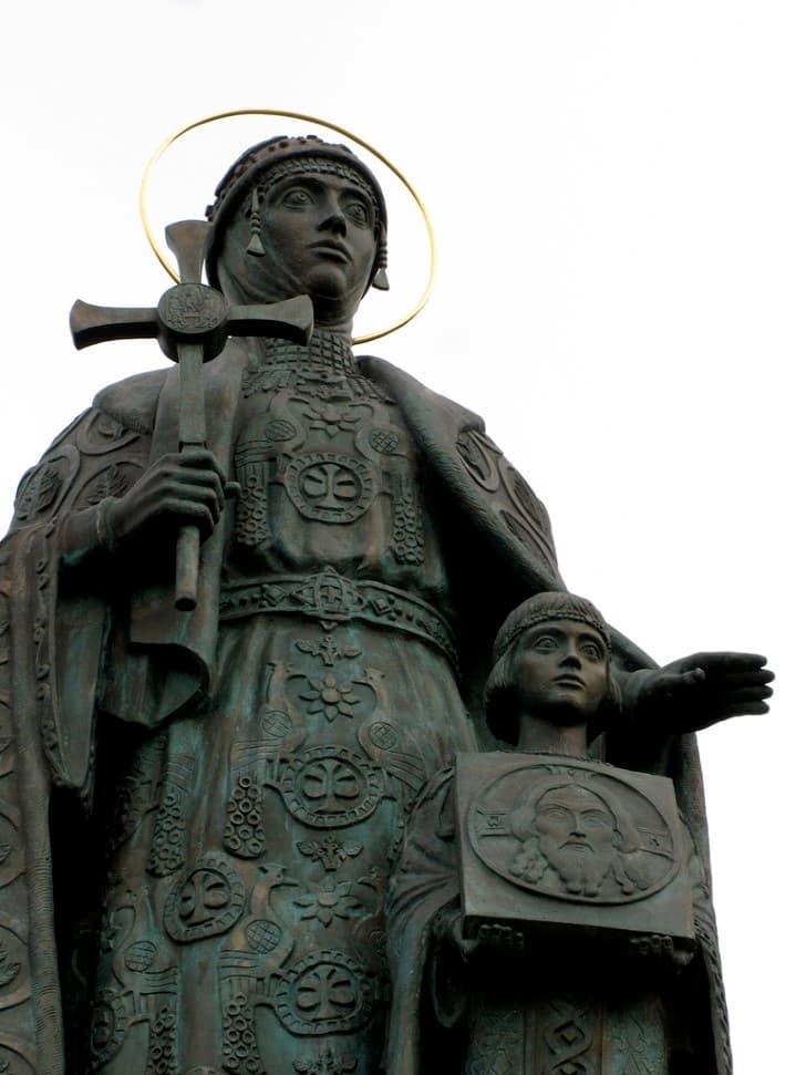 monumento a olga de kiev