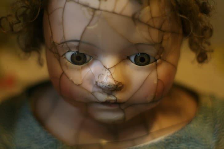 muñeca rota