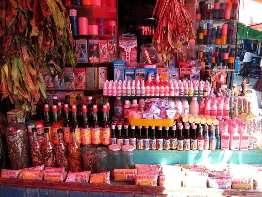 productos en el mercado de las brujas