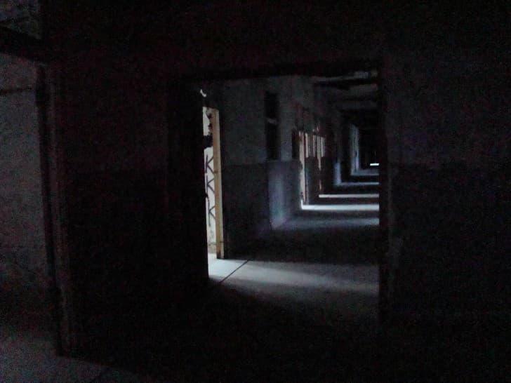 sanatorio Waverly Hills en la oscuridad