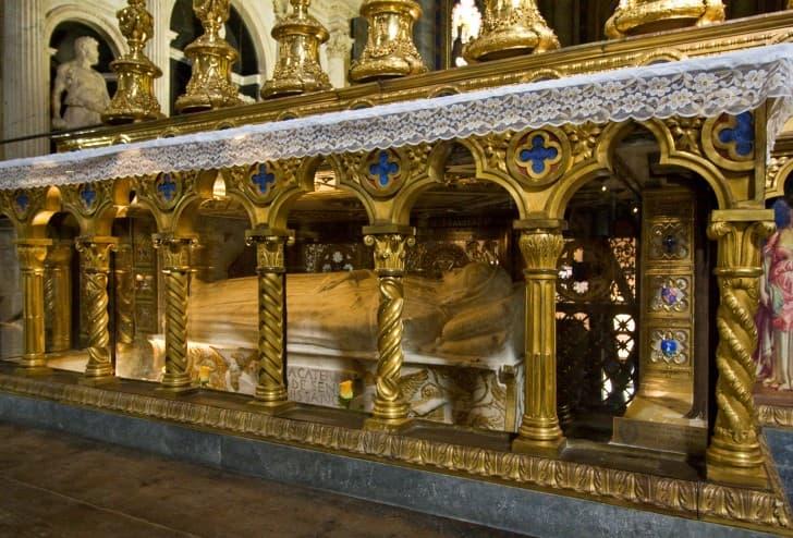 tumba de Santa Catalina de Siena