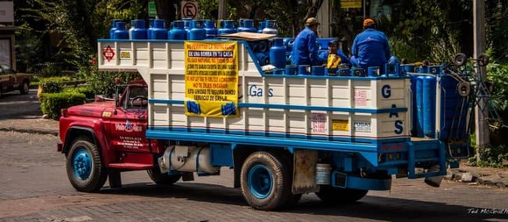 camion del gas vela gas