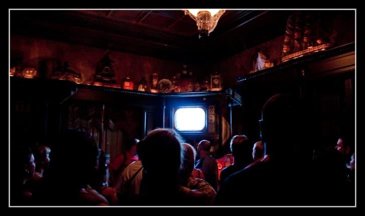 publico viendo television