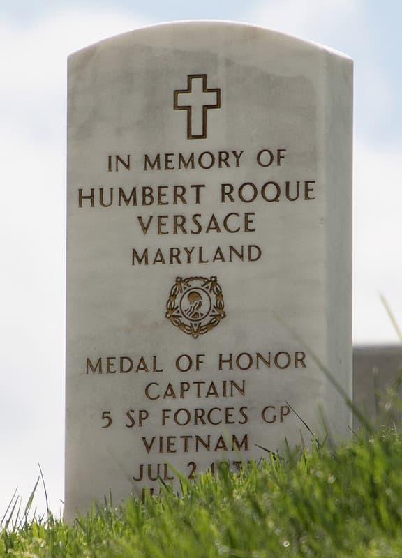 tumba Humbert Roque Versace
