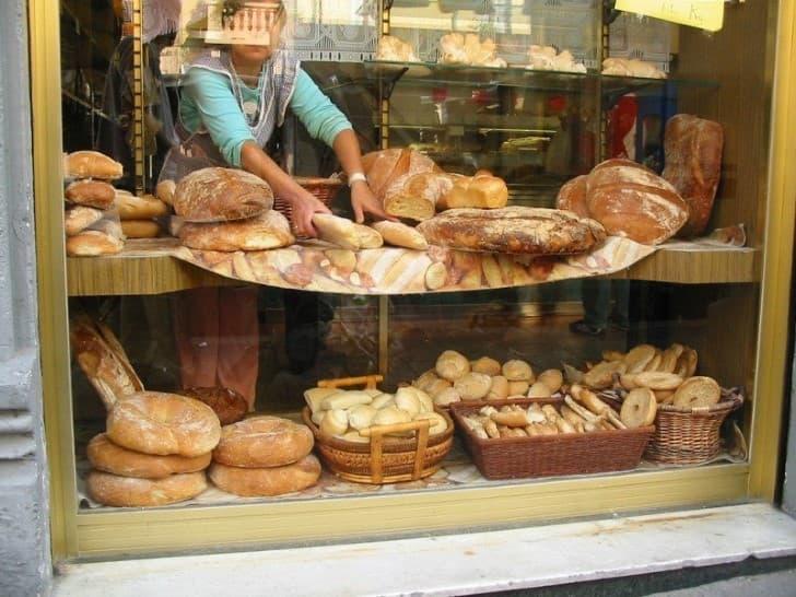 pan en una vitrina