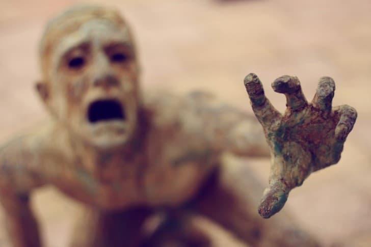 escultura mano
