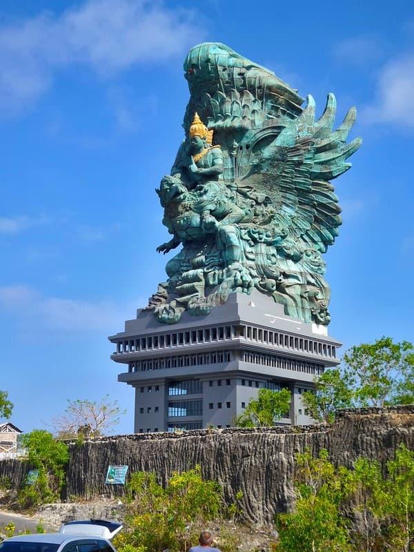 estatua Garuda Wisnu Kencana