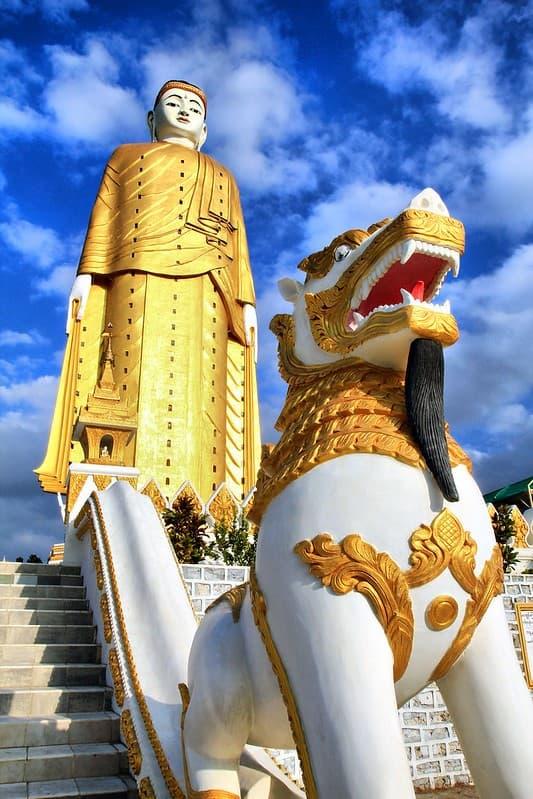 estatua Laykyun Sekkya