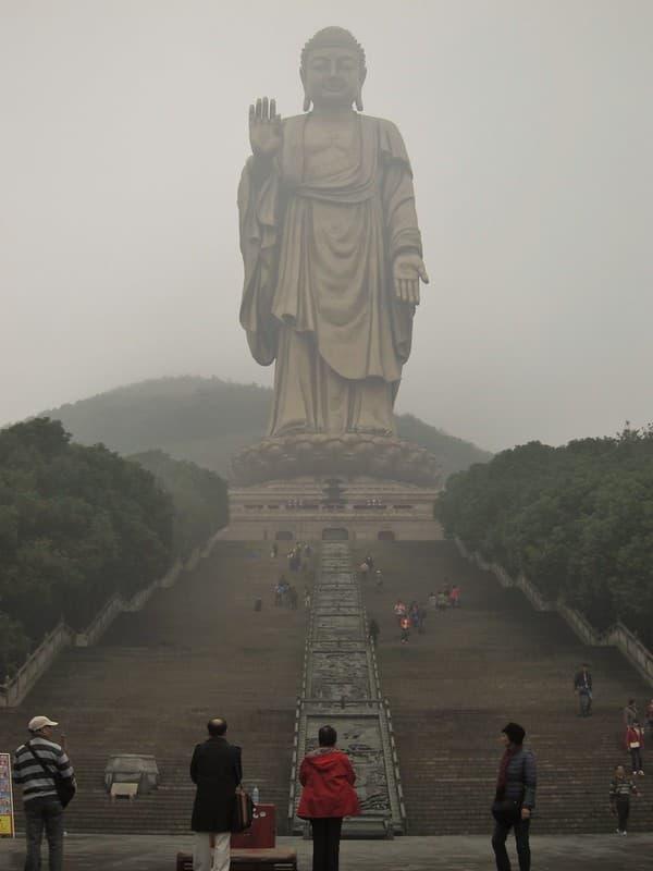 estatua de el Gran Buda de Ling Shan