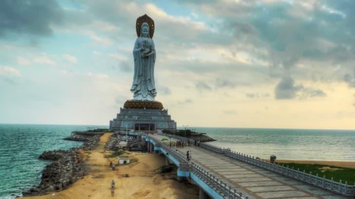 estauta Guanyin of Nanshan