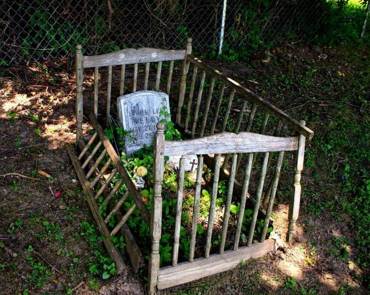 tumba de un niño