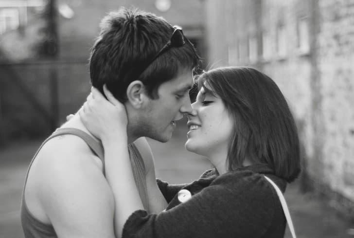beso en pareja