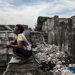 Comunidades habitando cementerios en Filipinas protagonizan proyecto fotográfico
