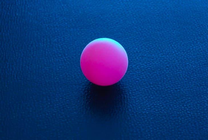 pelota de ping pong rosa