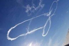 pilotos dibujan miembro gigante en el cielo(1)