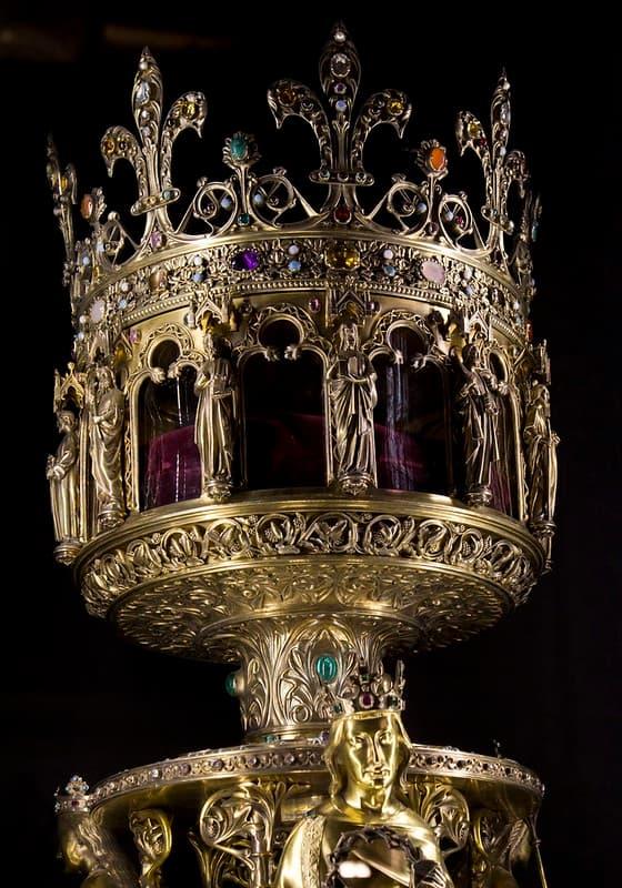 relicario con la corona de espinas