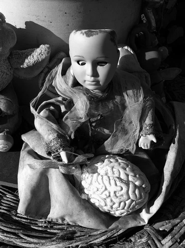10 fotografias vintage de muñecas espeluznantes (4)