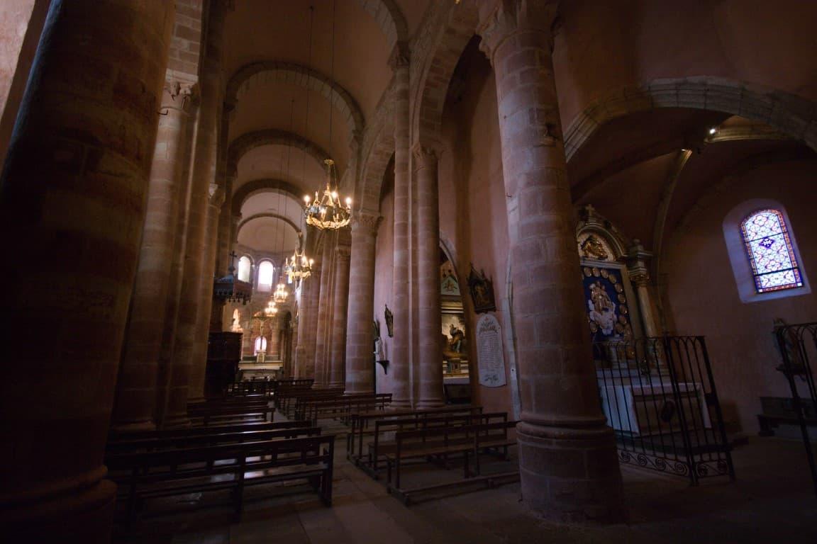 Sainte Fauste iglesia en Bozouls Francia