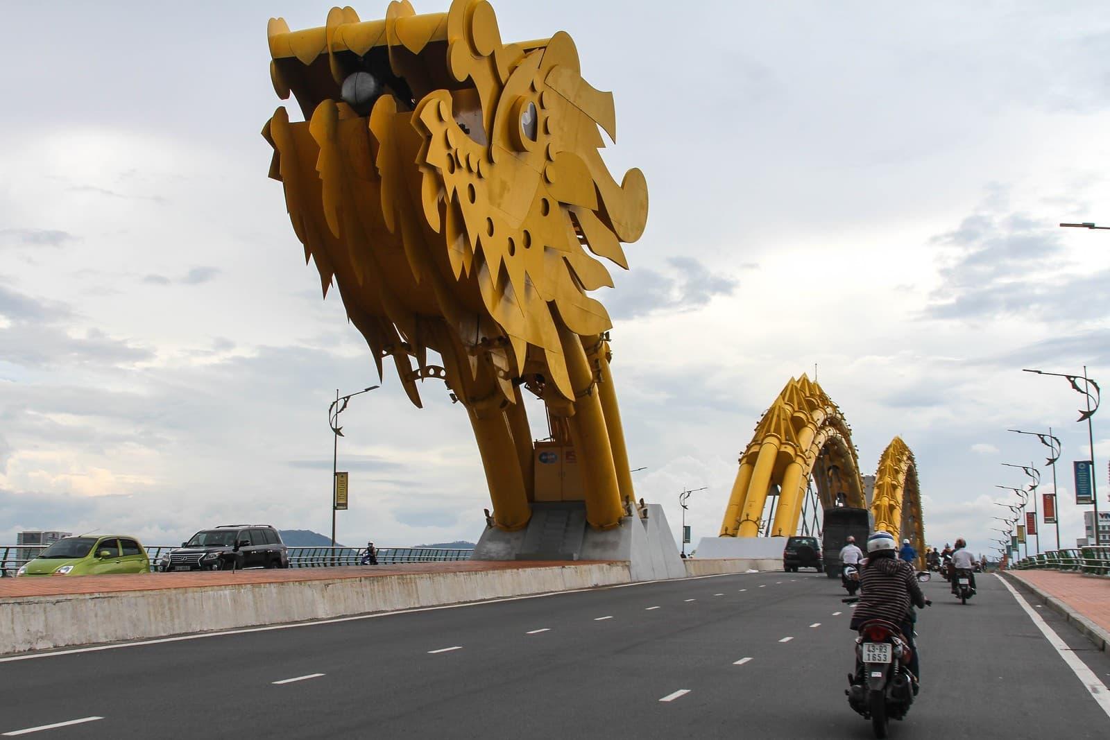 cabeza del dragon puente da nang