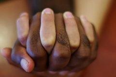 las manos de la hermandad