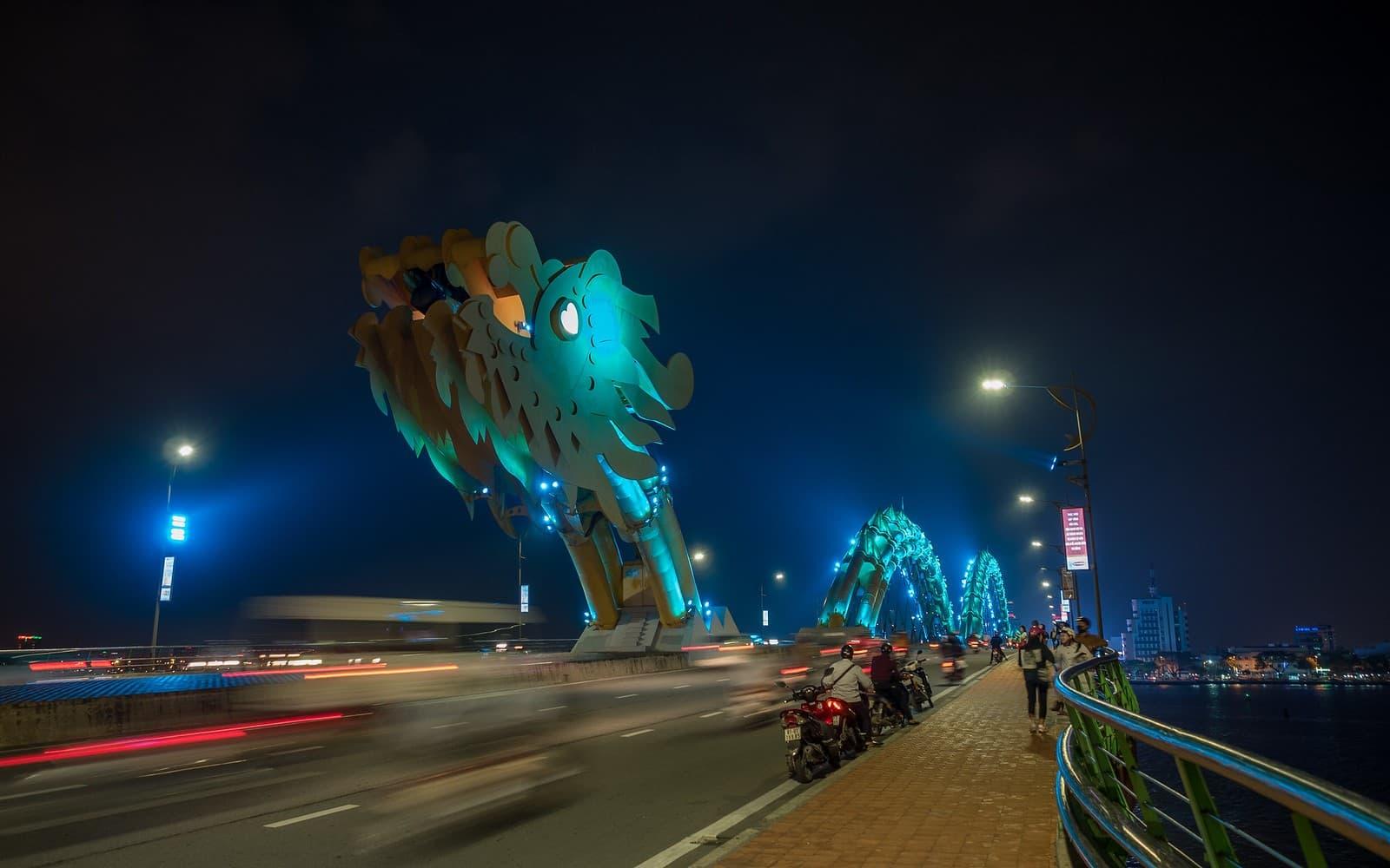 majestuoso puente del dragon vietnam da nang